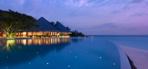 dtmd_home_hero_infinity-pool-evening