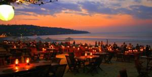 Travelling-Bali-Sunset-Dinner-Jimbaran-Bali
